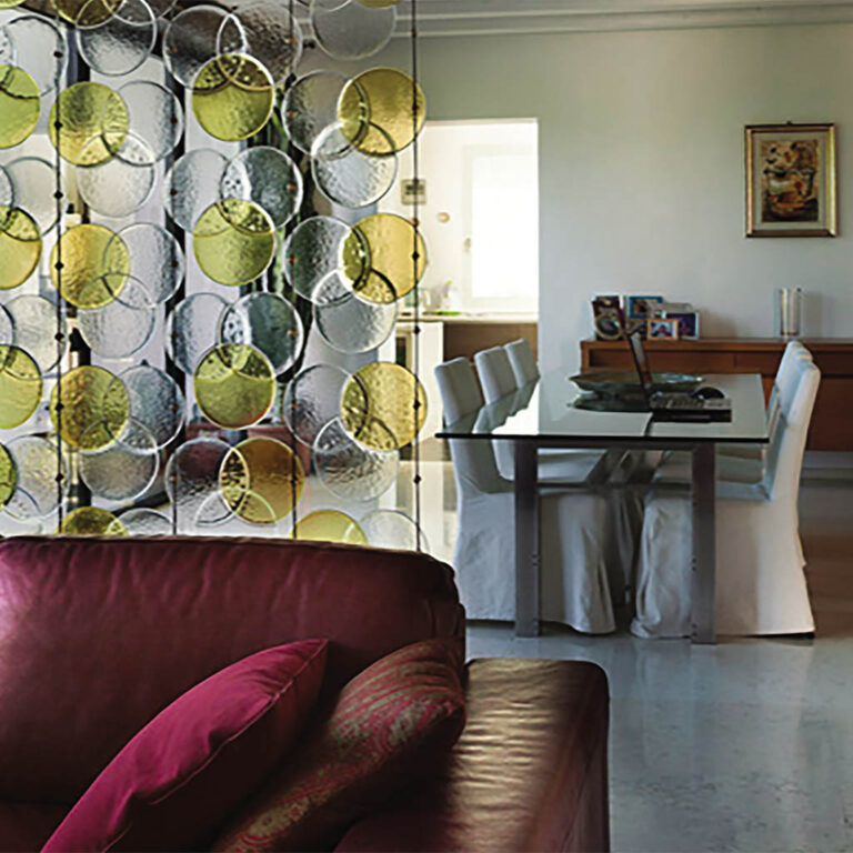 Home furnishing: why to choose glass for home