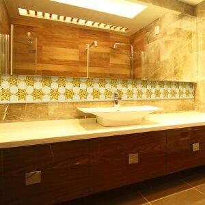 Roma glass tiles